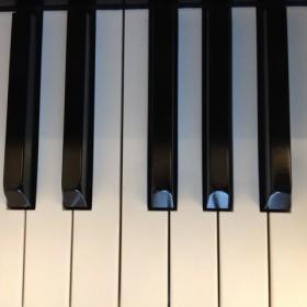 Pianolessen voor kinderen en volwassenen